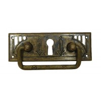 """Kulcslyuk címer fogantyúval, vízszintes, sárgarézből """"Jugendstil""""  patinásított, 96X45 mm - 1 db"""